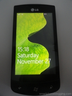 windows_phone_7_lockscreen