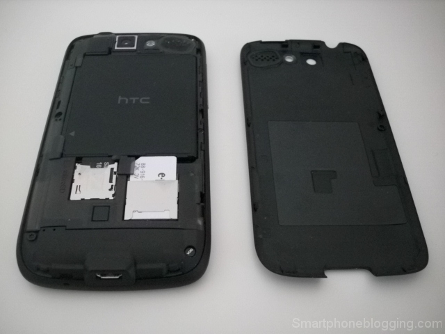 htc_desire_backcover_open
