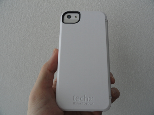 tech21_snapcase_iphone5_back