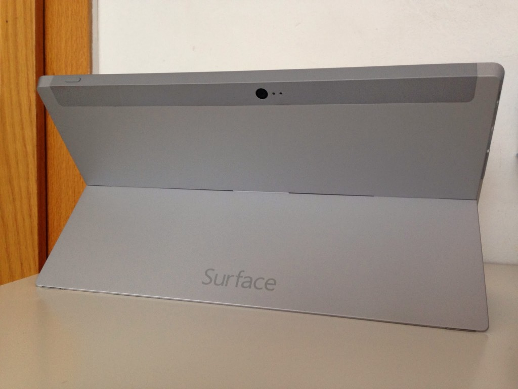 Microsoft_Surface_2_RT_Kickstand_4