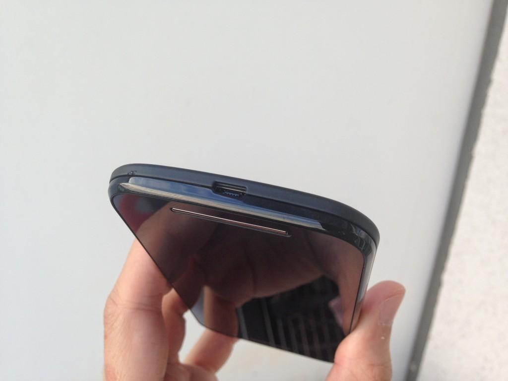 Motorola_Moto_G_Micro_USB_Slot